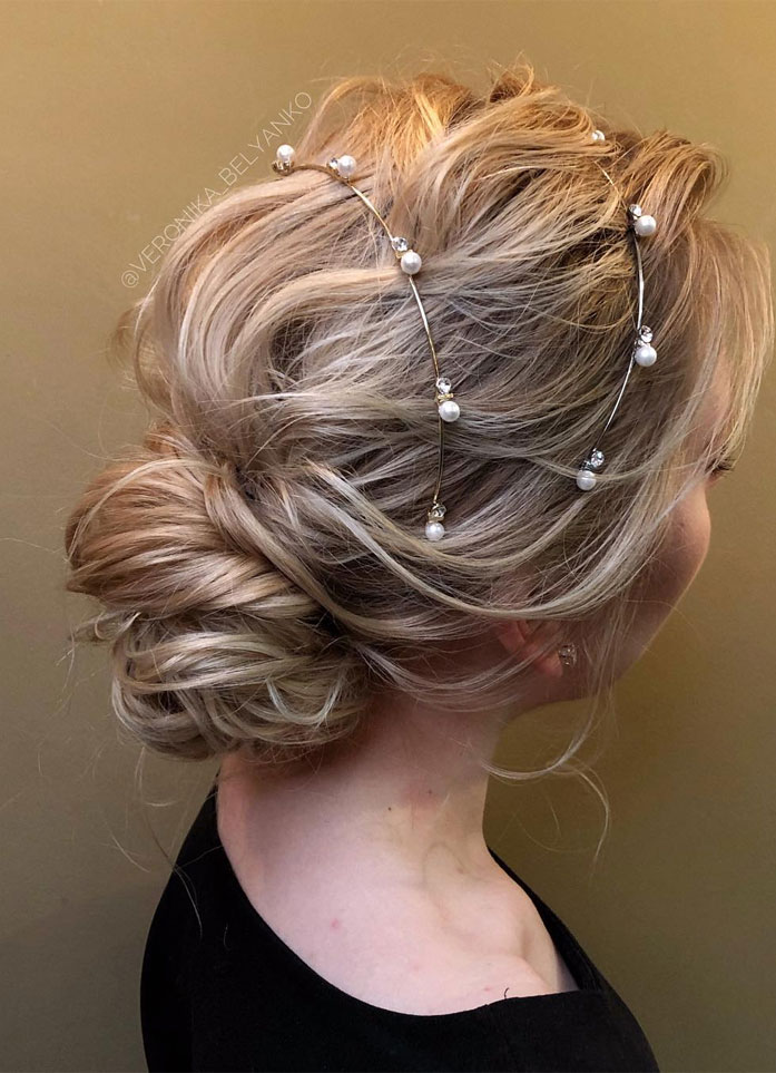 Messy Updo Hairstyles That Will leave You Speechless : Stunning Updo Hairstyle