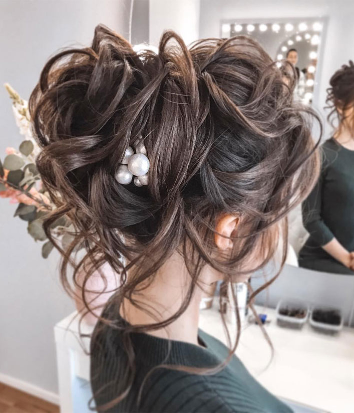 Messy Updo Hairstyles That Will leave You Speechless : Messy Updo Hairstyle For Long Hair
