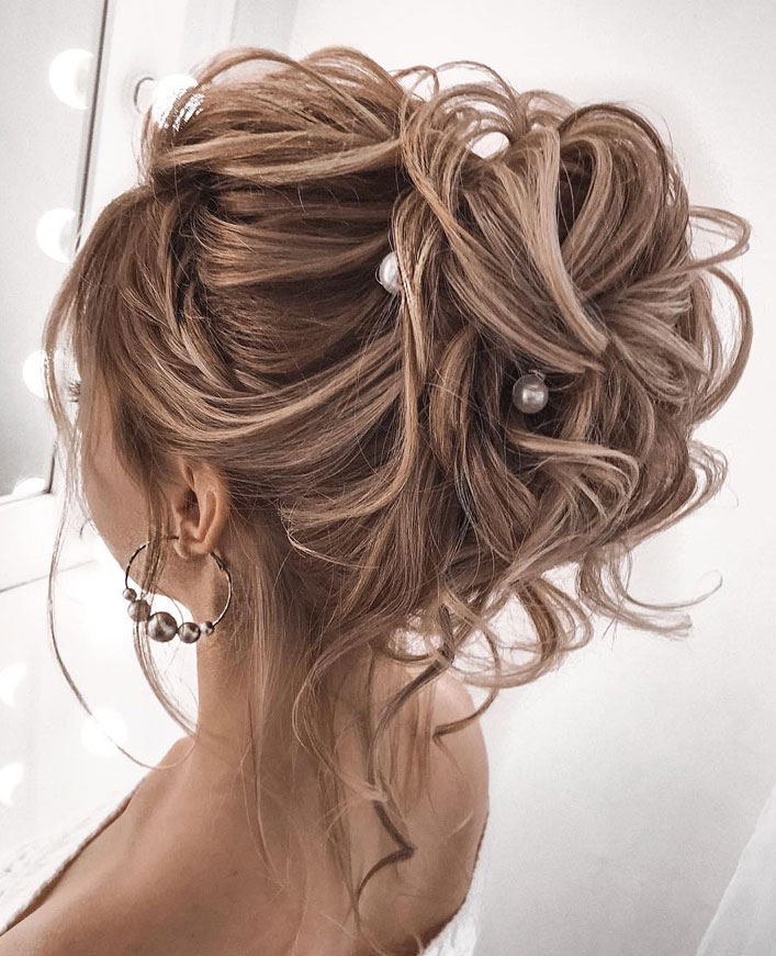 Messy Updo Hairstyles That Will leave You Speechless : Messy Updo Hairstyle with Pearl