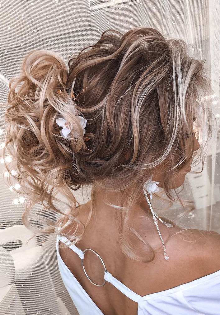 Messy Updo Hairstyles That Will leave You Speechless : Messy Updo Hairstyle For Blonde