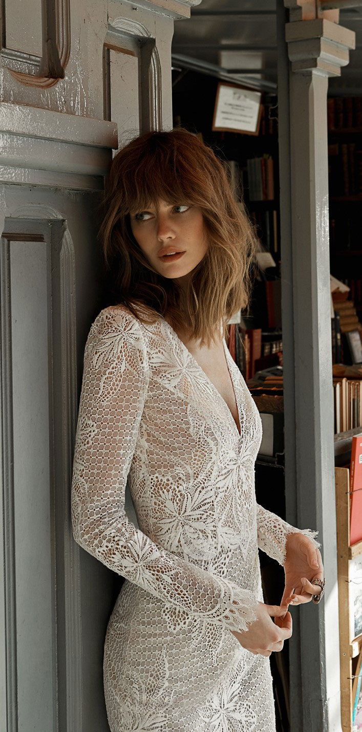 Wedding Dresses with romantic details – Long sleeve lace wedding dress