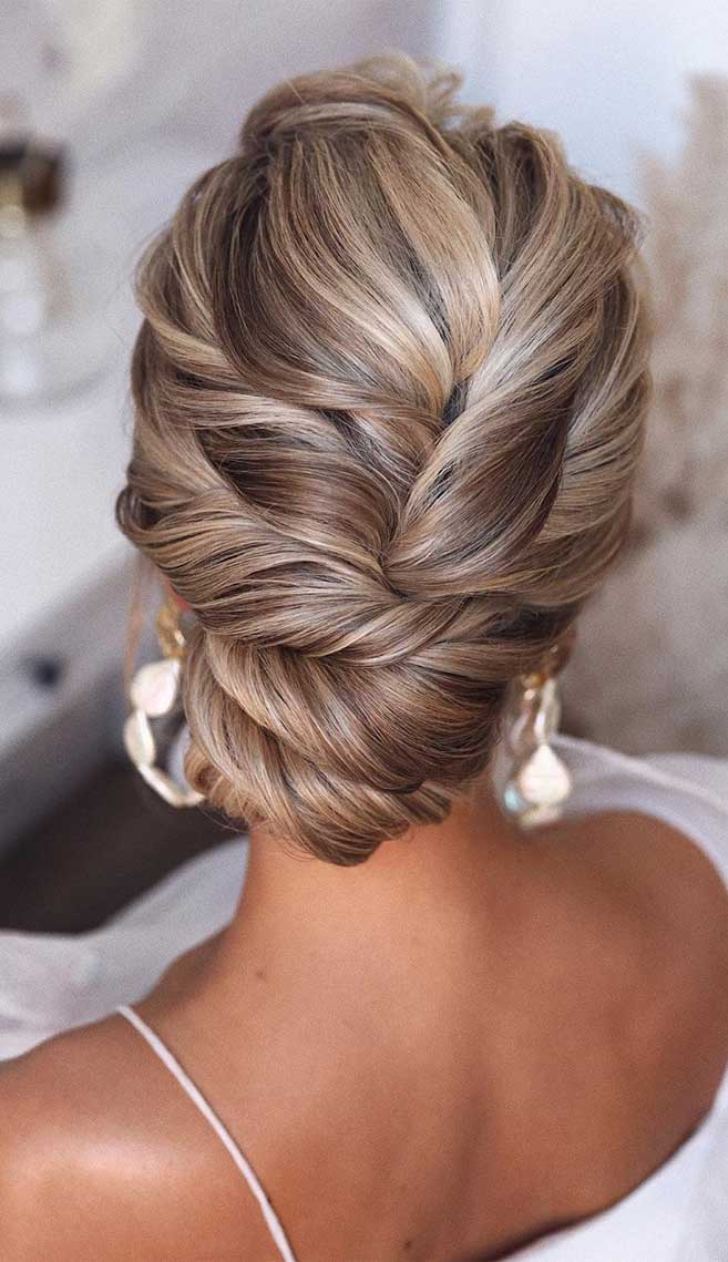 75 romantic bridal hairstyles - hairstyles for weddings long hair, wedding updos with braids, wedding updos, bridal updos ,messy updo hairstyles ,hairstyle #hairstyle #weddinghair #updo #upstyle elegant bridal hairstyle