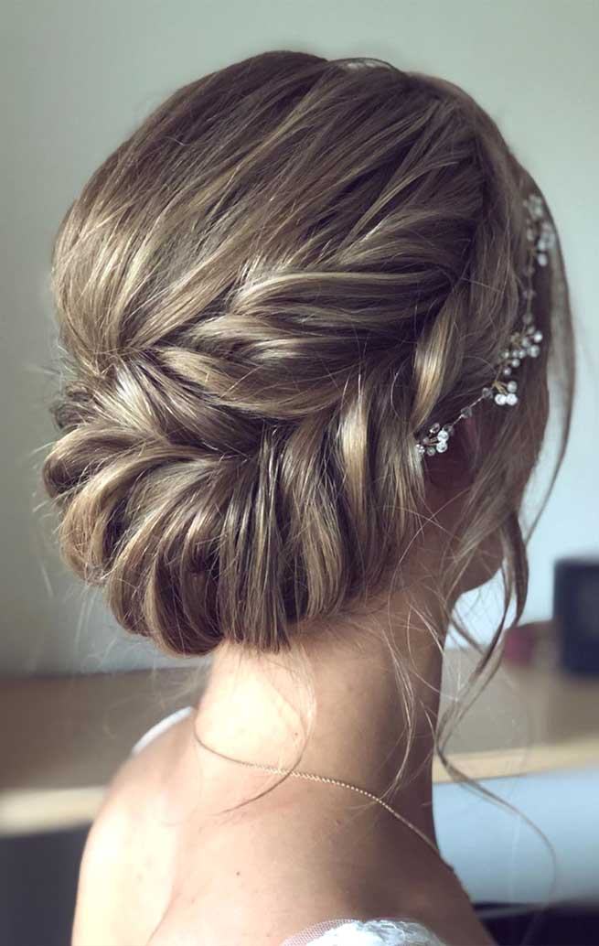 The best wedding hairstyles 2019