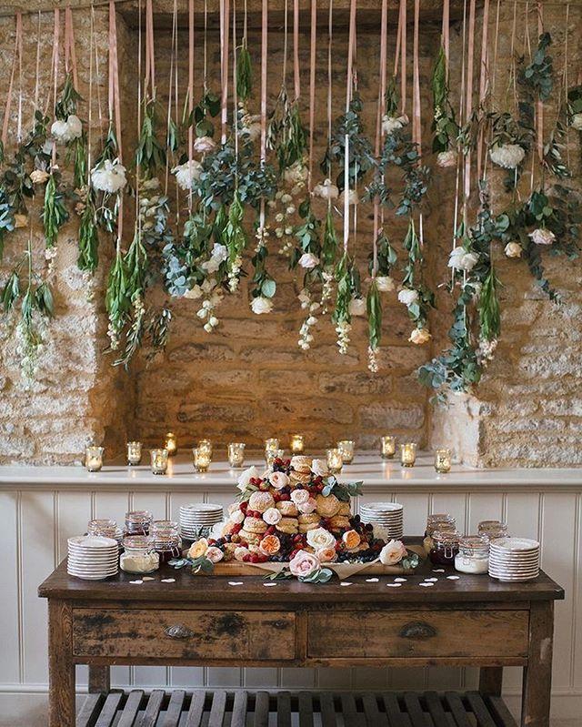 Prettiest Spring Wedding Ideas 2020 – Hanging flowers over wedding dessert table