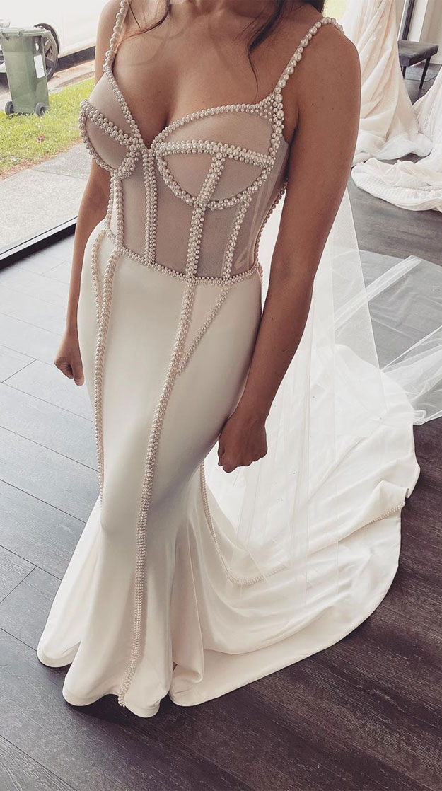 These breathtaking wedding dresses we can't get enough of