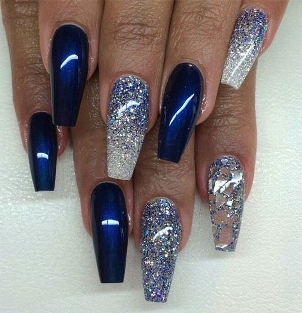 Elegant navy blue nail colors and designs for a Super ...