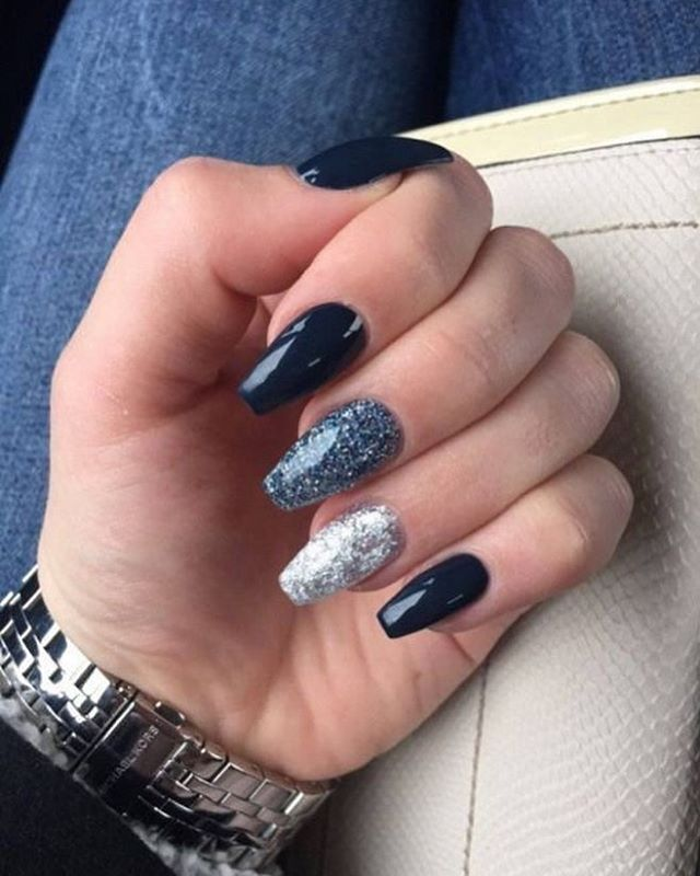 Elegant navy blue nail colors and designs for a Super Elegant Look