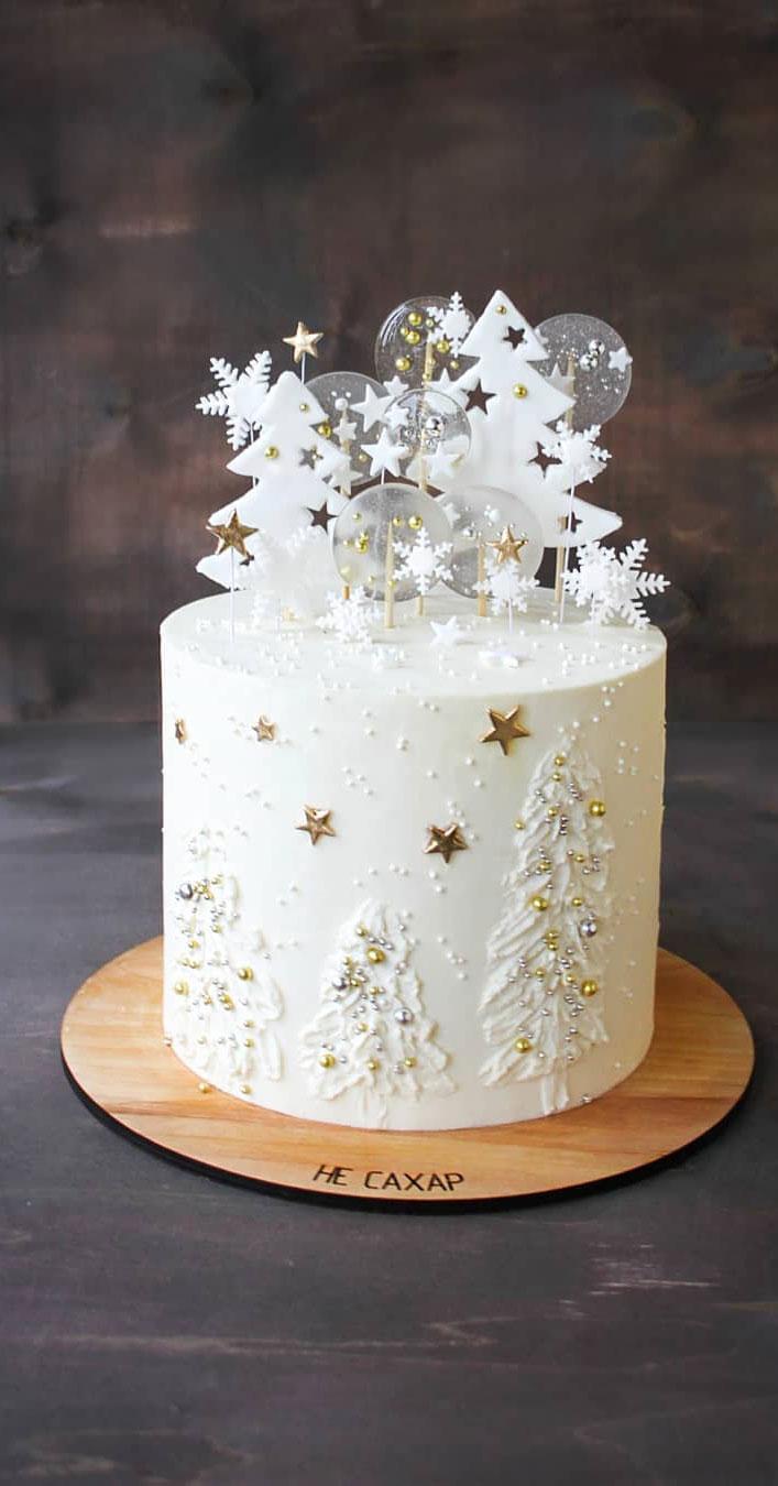 Seasonal Wedding Cake Ideas for a Winter Wedding