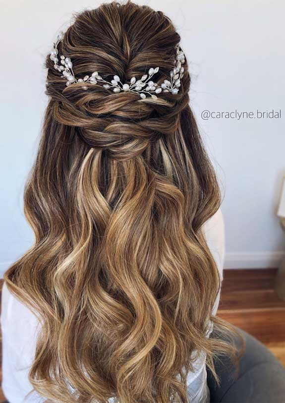 Bridal hairstyles that perfect for ceremony and reception 44
