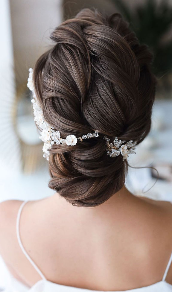 Bridal hairstyles that perfect for ceremony and reception 2