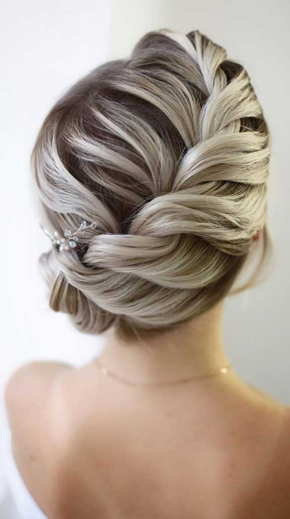 Bridal hairstyles that perfect for ceremony and reception 16