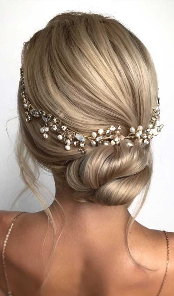 Bridal hairstyles that perfect for ceremony and reception 24