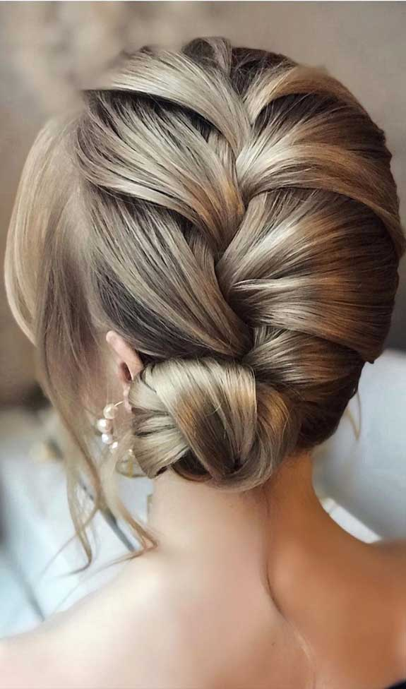 Bridal hairstyles that perfect for ceremony and reception 28
