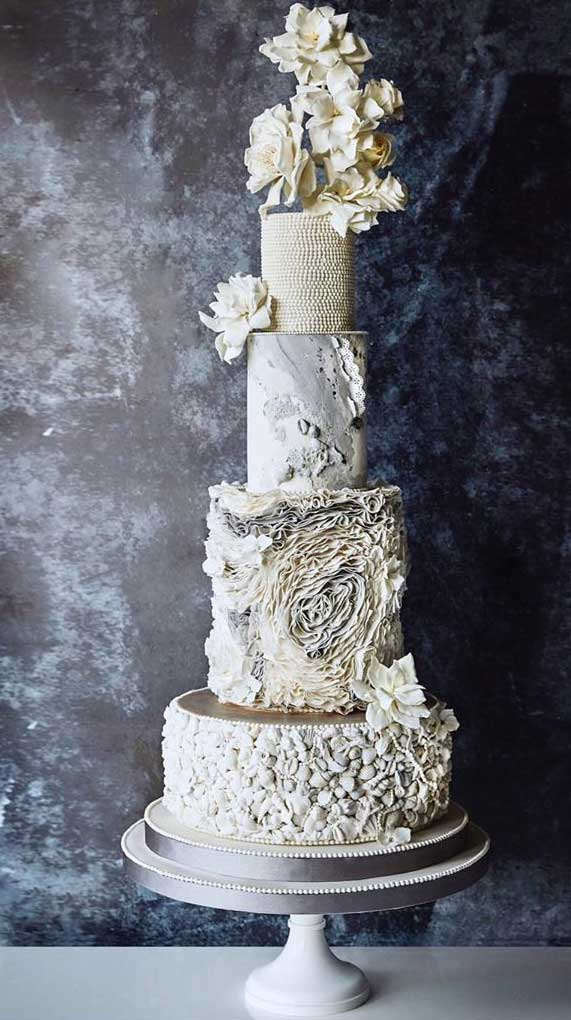 Amazing! These sculpture wedding cakes are works of art 28