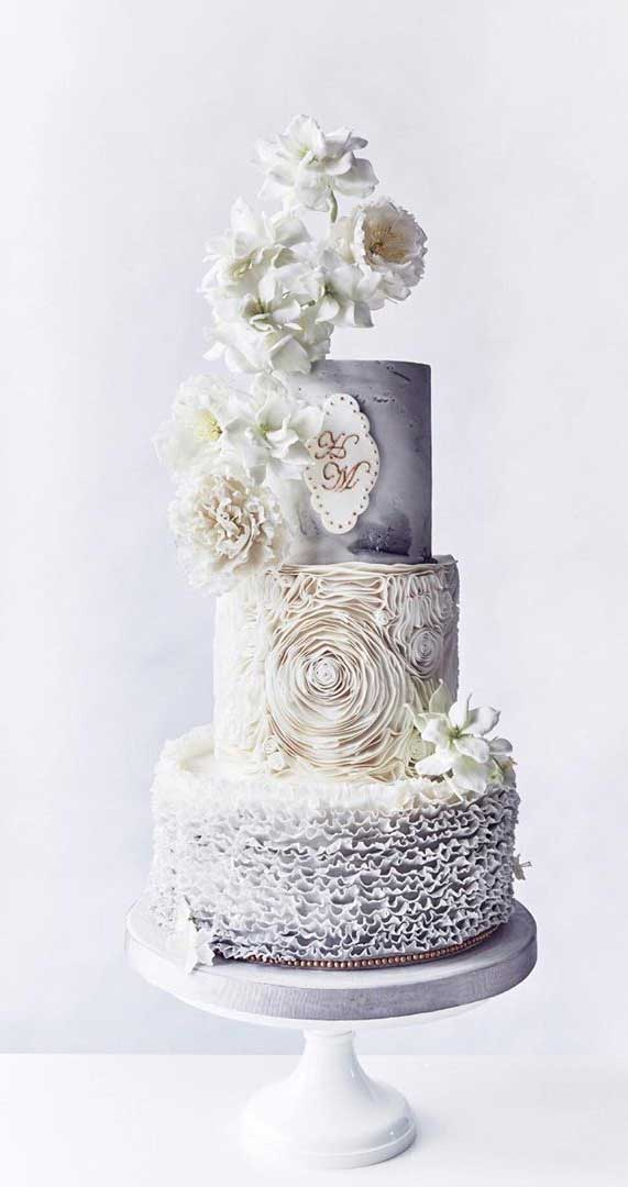 Amazing! These sculpture wedding cakes are works of art 29