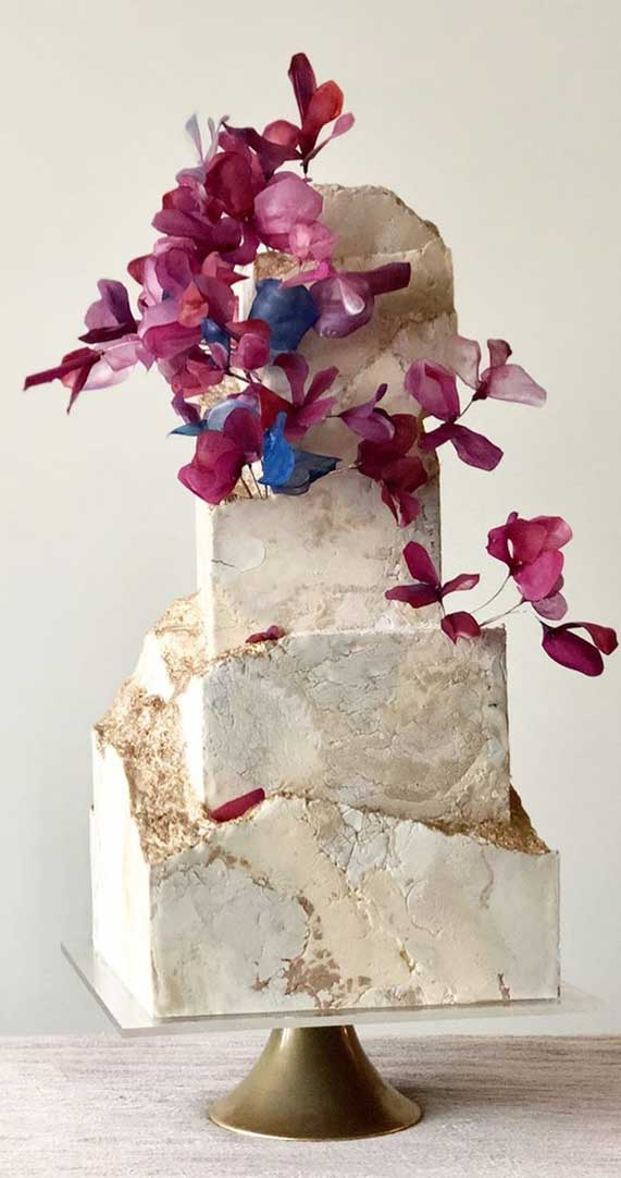 Amazing! These sculpture wedding cakes are works of art 32