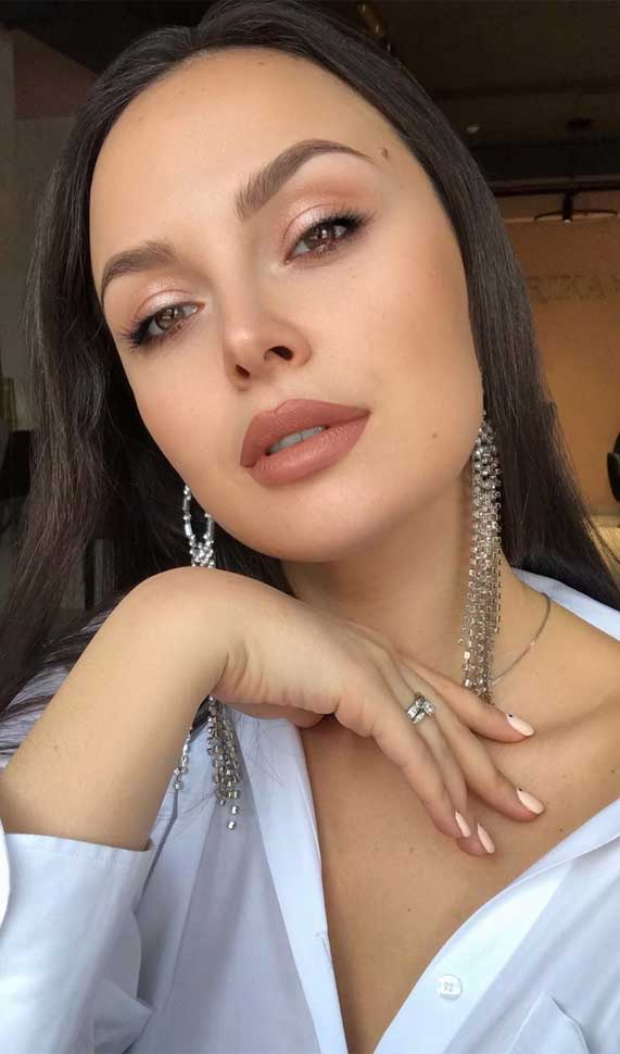 Beautiful Neutral Makeup ideas for Summer perfect for any occasion 24