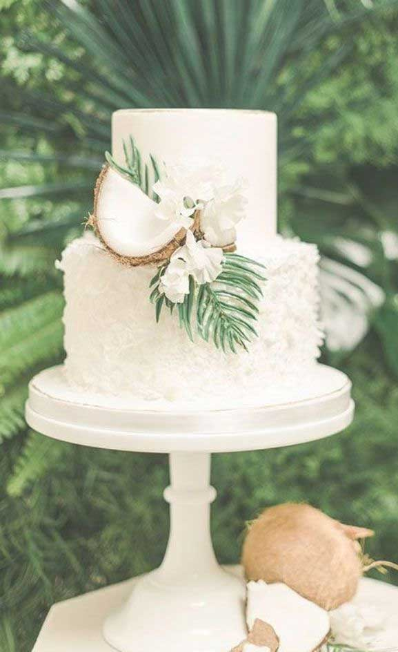 The perfect wedding cake for tropical wedding theme 2