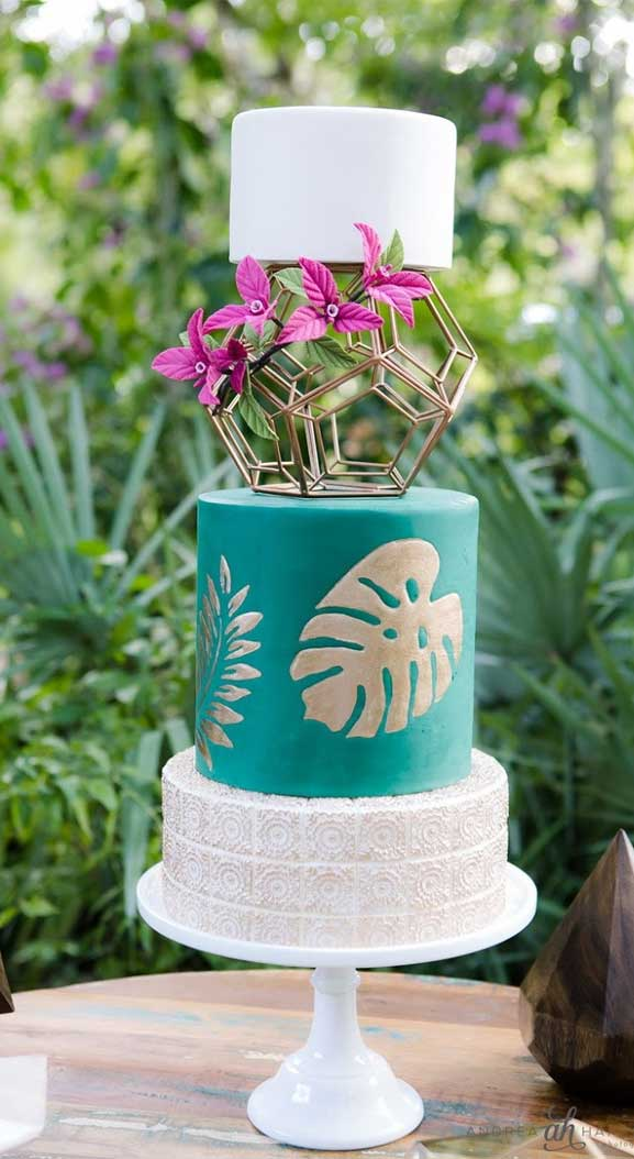 The perfect wedding cake for tropical wedding theme 21