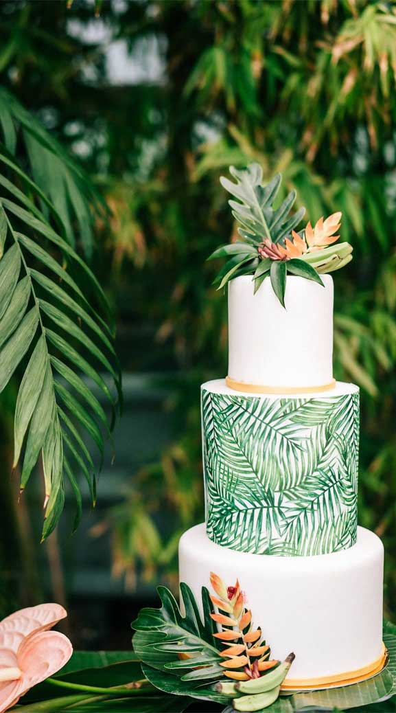 The perfect wedding cake for tropical wedding theme 8
