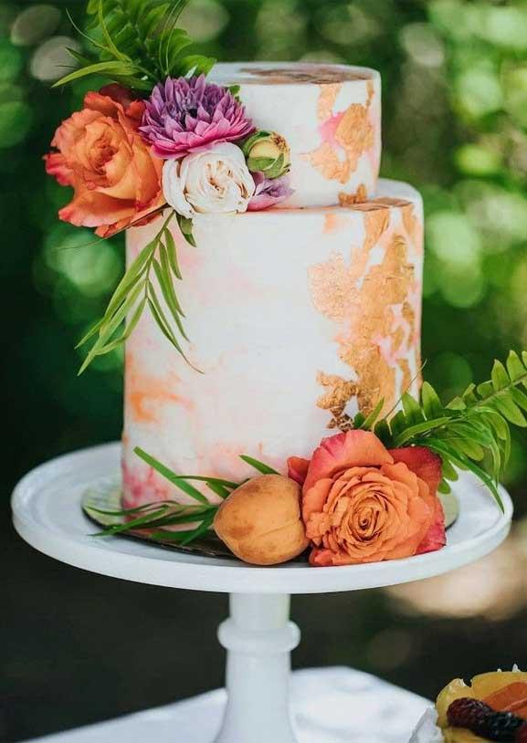 The perfect wedding cake for tropical wedding theme 7