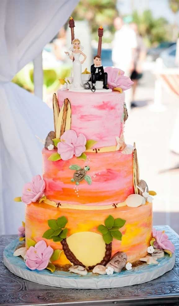 The perfect wedding cake for tropical wedding theme 18