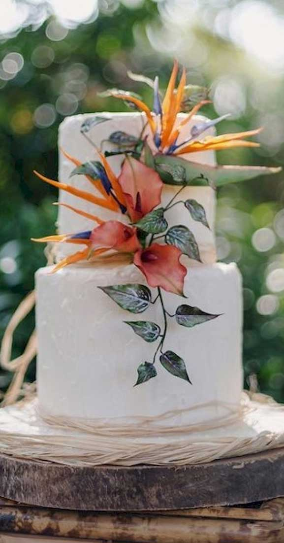 The perfect wedding cake for tropical wedding theme 5