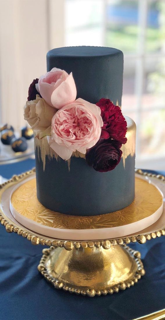 Beautiful wedding cake ideas for your dream wedding – Blue and Gold Cake