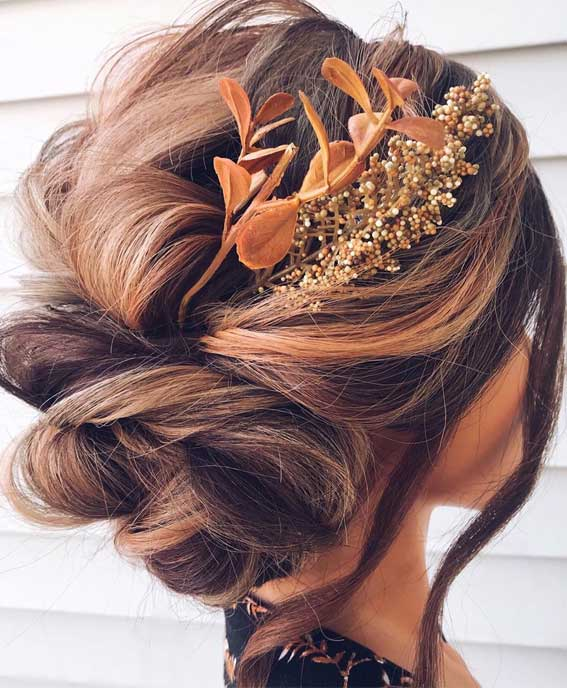 Updo Hairstyles that modern, creative, elegant and gorgeous – Updo with Autumn tones