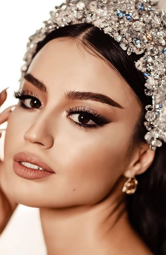 32 Glamorous Makeup Ideas For Any Occasion – Glam smokey