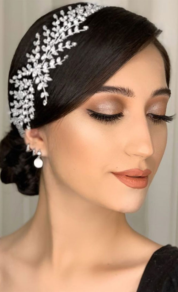 32 Glamorous Makeup Ideas For Any Occasion – Peach undertone makeup