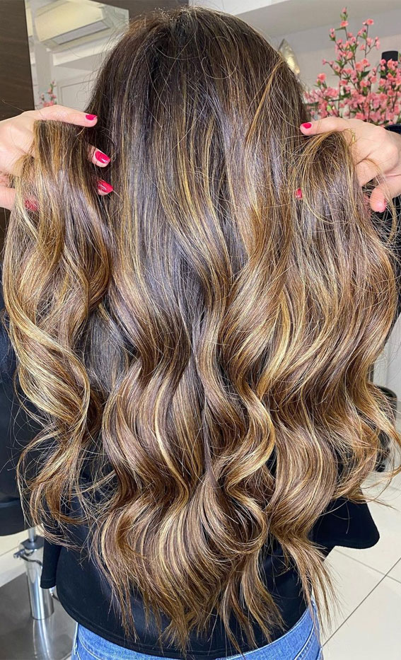 Beautiful Hair Colour Trends 2021 : Cinnamon Brown