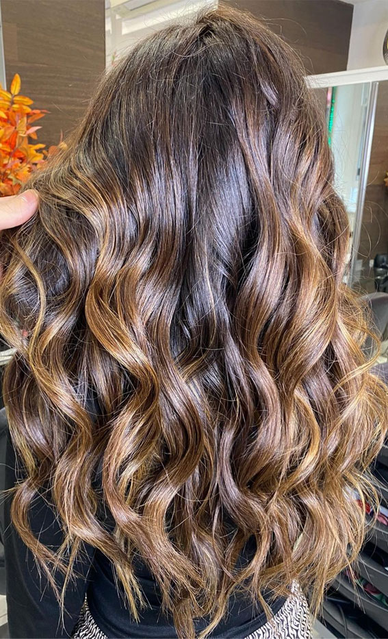 Beautiful Hair Colour Trends 2021 : Caramel Balayage