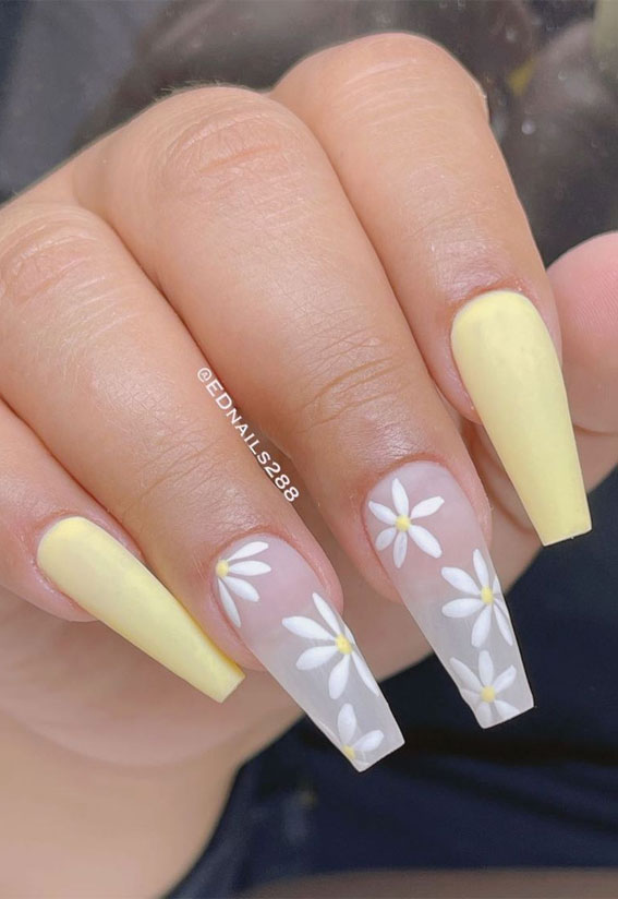 Summer Nail Designs You'll Probably Want To Wear : Light yellow and daisy nails