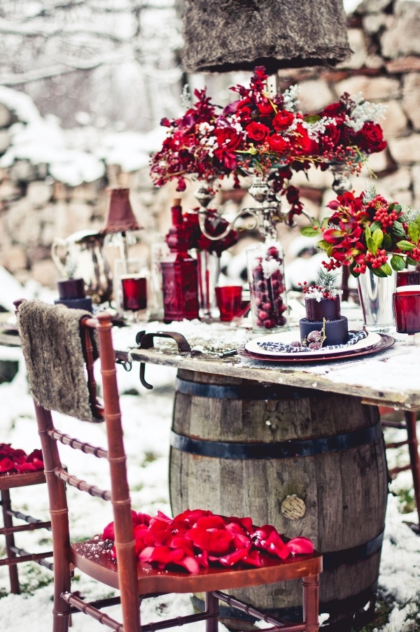 red winter wedding colour,red winter wedding ideas