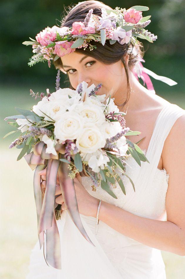 best flowers for summer weddings popular wedding flowers. Black Bedroom Furniture Sets. Home Design Ideas