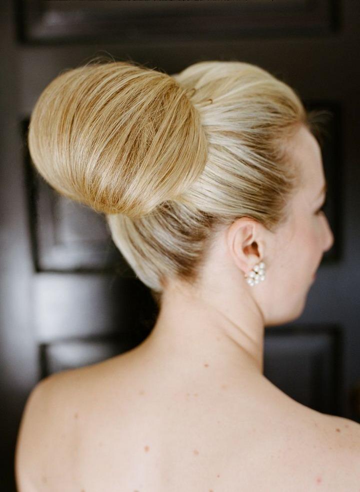 Classic wedding hair buns,Wedding hairs updos