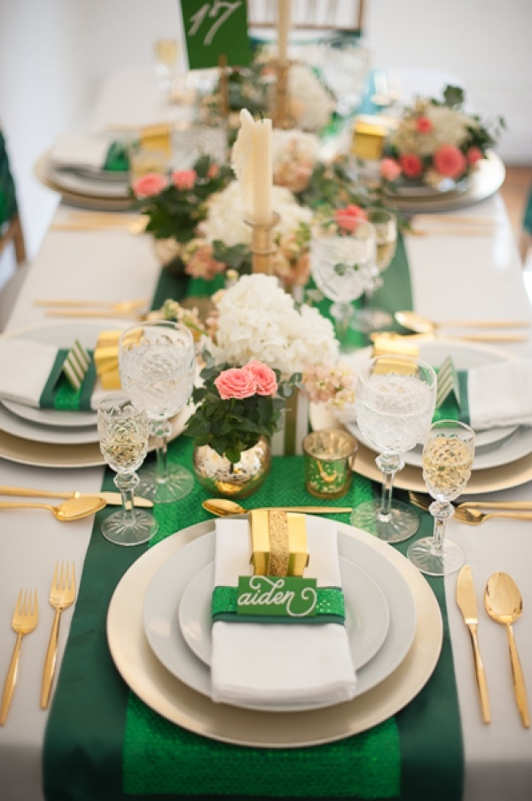 Wedding tablescapesoutdoor wedding tablescapes wedding tablescapesemerald gold wedding table reception ideasgreen gold wedding tablescapes ideas junglespirit Image collections