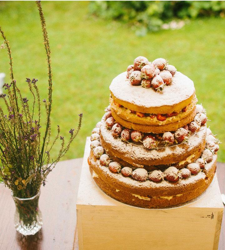 Naked wedding cake for Vintage Inspired Tea Party wedding | itakeyou.co.uk