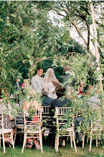 English Country Wedding - A love knot by Frances Nagle { Civil wedding reading }