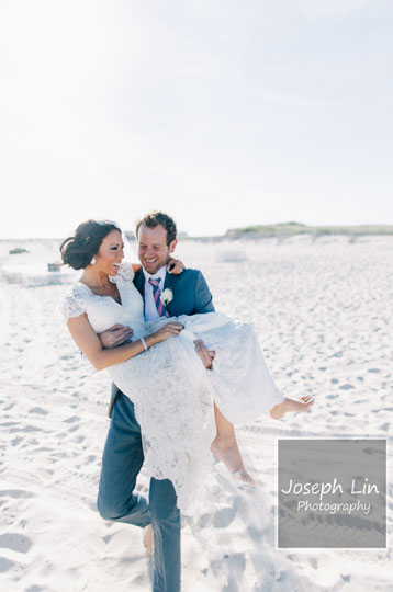 Pastel Beach Wedding From Joseph Lin Photography see more https://www.itakeyou.co.uk/wedding/beach-wedding-from-joseph-lin-photography/ bride and groom, newlywed