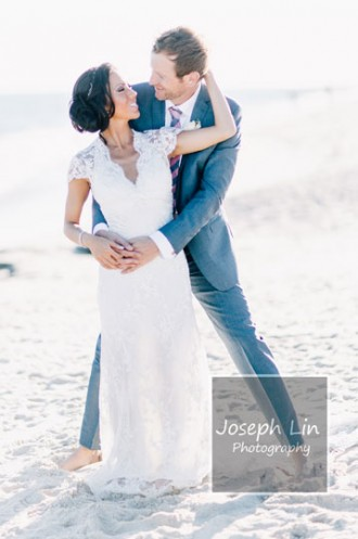 Beach Wedding From Joseph Lin Photography see more https://www.itakeyou.co.uk/wedding/beach-wedding-from-joseph-lin-photography/ cute bride and groom ,cute wedding