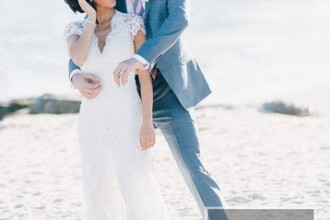 Beach Wedding From Joseph Lin Photography see more https://www.itakeyou.co.uk/wedding/beach-wedding-from-joseph-lin-photography/ bride and groom, bride on the beach
