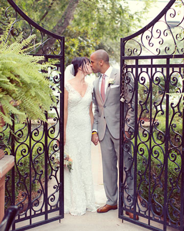 Read more Romantic Wedding at Hotel St. Germain, Dallas From Sarah Kate https://www.itakeyou.co.uk/wedding/romantic-dallas-wedding-venues/ romantic wedding venues,romantic wedding theme,Hotel St.Germain wedding venue,romantic wedding dress,romantic wedding decorations, wedding ideas,wedding reception ideas