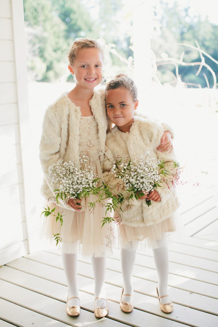 159ef91d1 Onelove Photography Adorable flower girl and ring bearer outfits |  Photography: Nancy Ray Photography