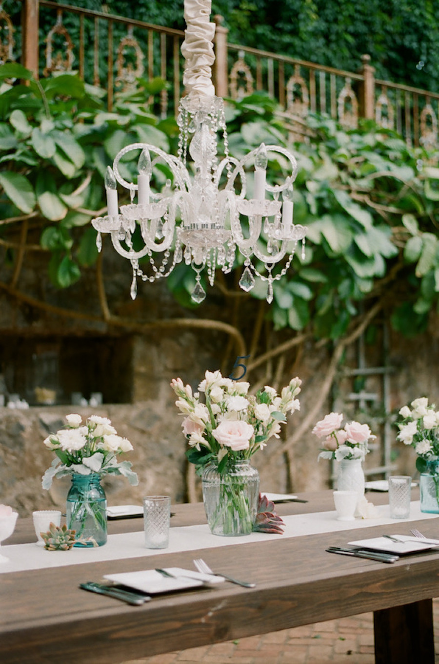 Wedding chandelier decorations wedding trends wedding chandelier decorationsoutdoor wedding chandelier decorationswedding decoration ideaswedding trend 2015 audiocablefo