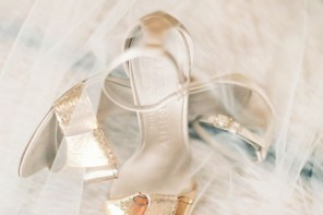 what shoes to wear with a white dress, Summer wedding shoes,Sandal wedding shoes,gold sandal wedding shoes,neutral sandal wedding shoes,silver,white sandal
