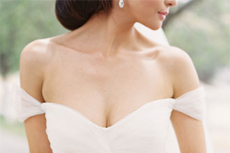 off the shouder wedding dress | itakeyou.co.uk