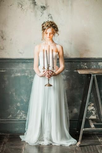 light grey wedding gown | itakeyou.co.uk