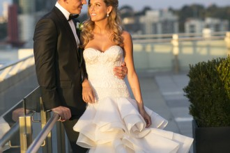 Jane Hill Wedding Dress for a Timeless ,elegant & classic with a touch of glamour Wedding | Photo by Blumenthal Photography. | I take you - UK wedding blog #elegantwedding